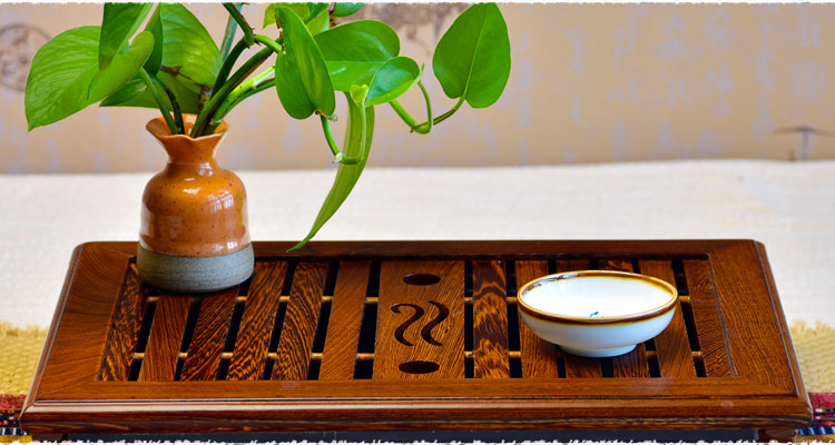 a tea tray is square