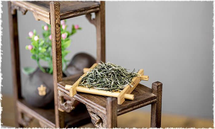 Xin yang Maojian tea