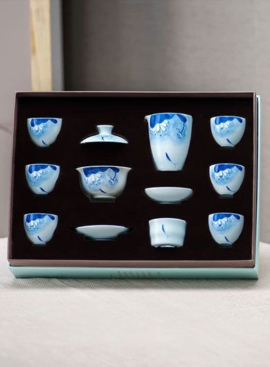 Chinese Porcelain Gongfu Tea Set with Hand-painted Pattern