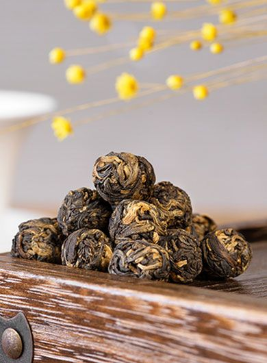 Fengqing Dragon Pearl Black Tea 01