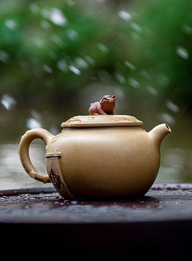Handmade Blessing Arrival Yixing Zisha Teapot