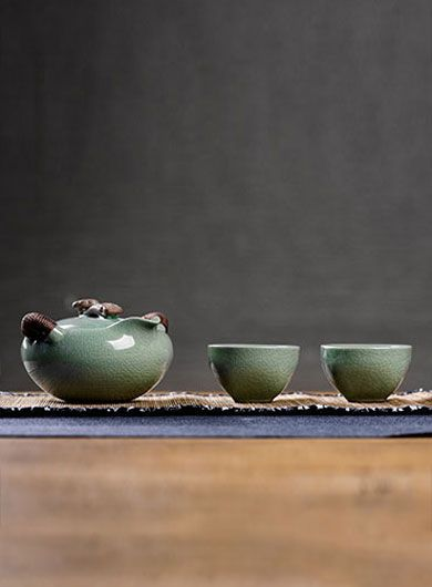 Ge Yao Kuai Ke Bei Tea Set