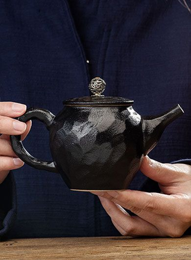Hammered Pattern Black Pottery Teapot