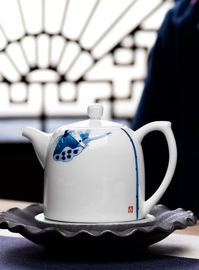 Hand Painted White Porcelain Lotus Teapot