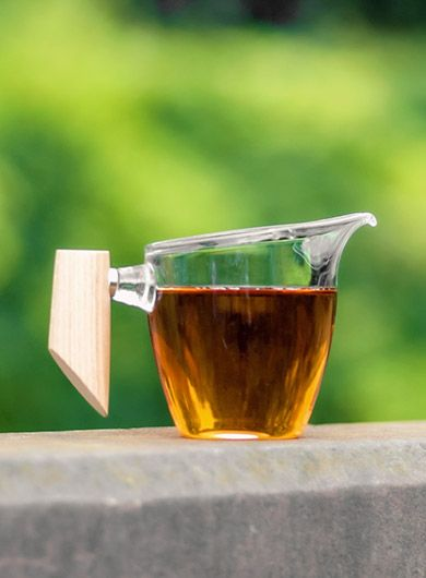 Clear Glass Gongfu Tea Pitcher with Wooden Handle