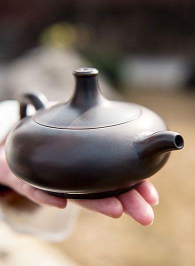 Handmade Qinzhou Nixing Pottery Teapot Wu Chen