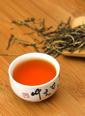 Yun Nan Dian Hong Black Tea Full-leaf 1
